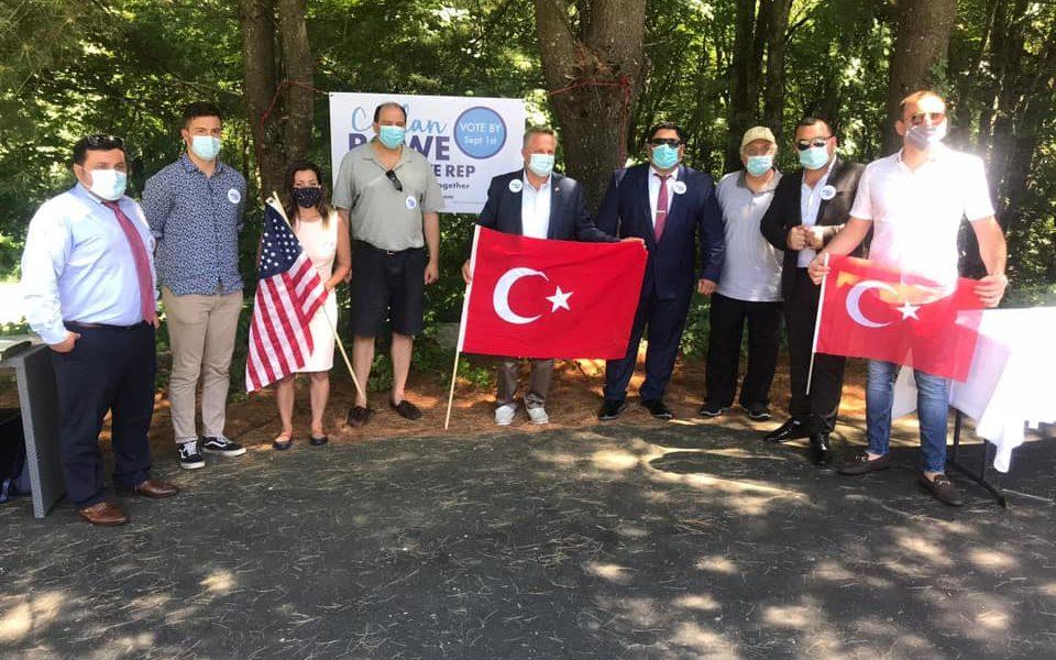 Türk Amerikan toplumundan eyalet meclisi için yarışan Ceylan Rowe 'a ziyaret.